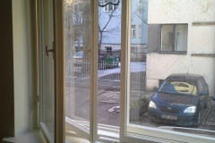 kaheraamne sisseavanev aken
