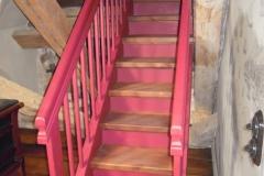 Erimõõduline trepp Kõue mõisas