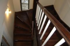 trepp koos käsipuuga