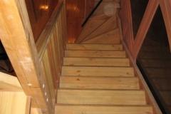 trepp männipuidust läbi kolme korruse (5)