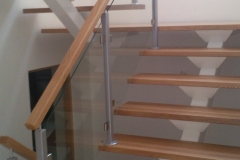 trepp metalltalal klaaspiiretega